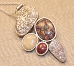 kimle_patricia_#1_pebble pendant_side2.jpg